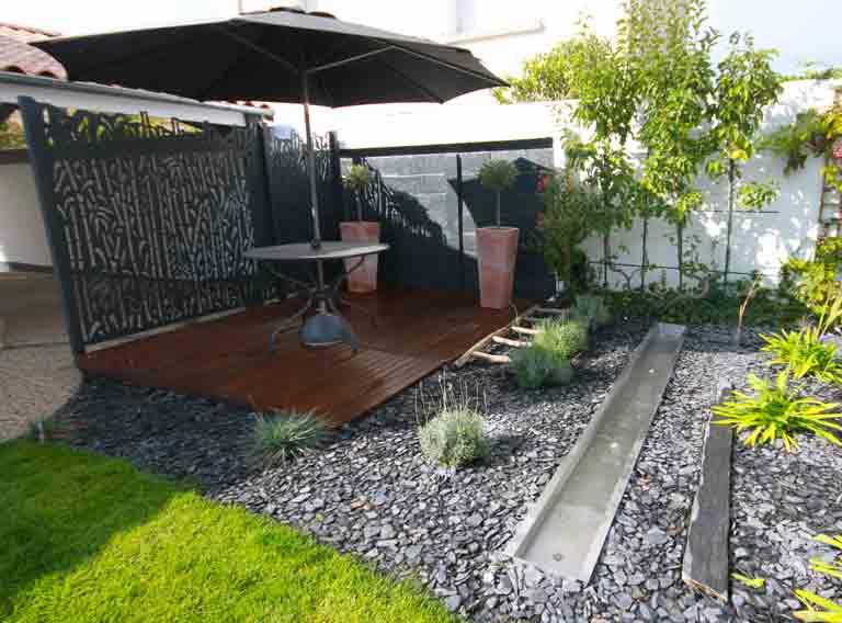 jardin terrasse bois claustra aluminium sol mineral